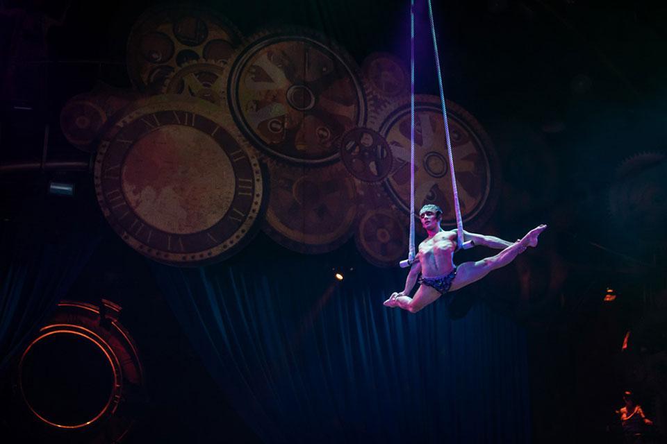 Cirque du Soleil performer.