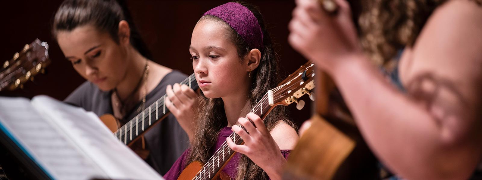 Guitar Summer Intensive >> LEARN MORE