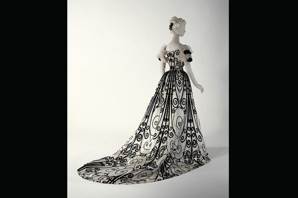 The original House of Worth ironwork evening dress (1898-1900) is on display at the Metropolitan Museum of Art.