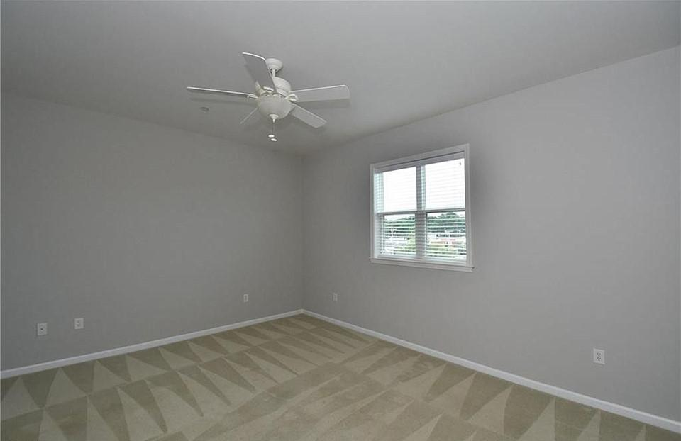 Sample bedroom image. (Gateway Loft Apartments will be brand new.)
