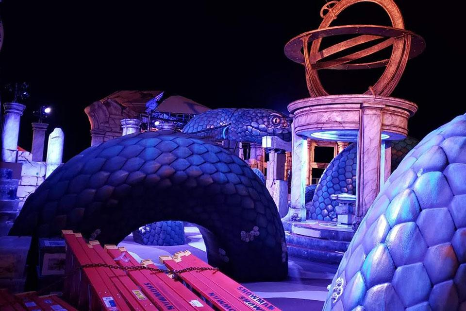 Installation of the laser tag arena took place over several weeks in the Netherlands, with crews of up to 22 people working at a time. (Scenic design by Jesse Poleshuck.)