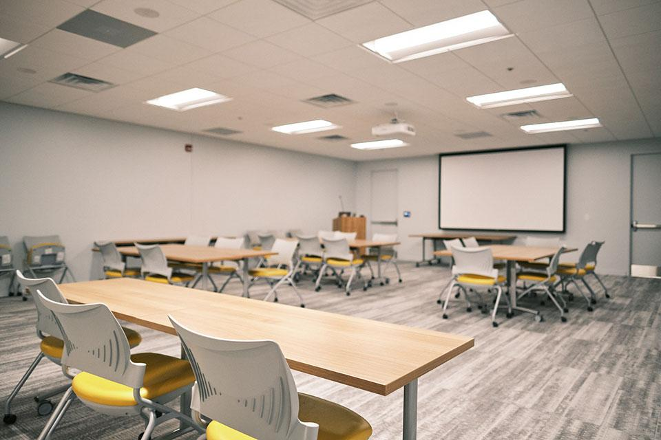 The Seminar Room has technologies for a variety of presentations, including an AV projector, Apple TV, wireless capabilities and others, with capacity for up to 32 people.
