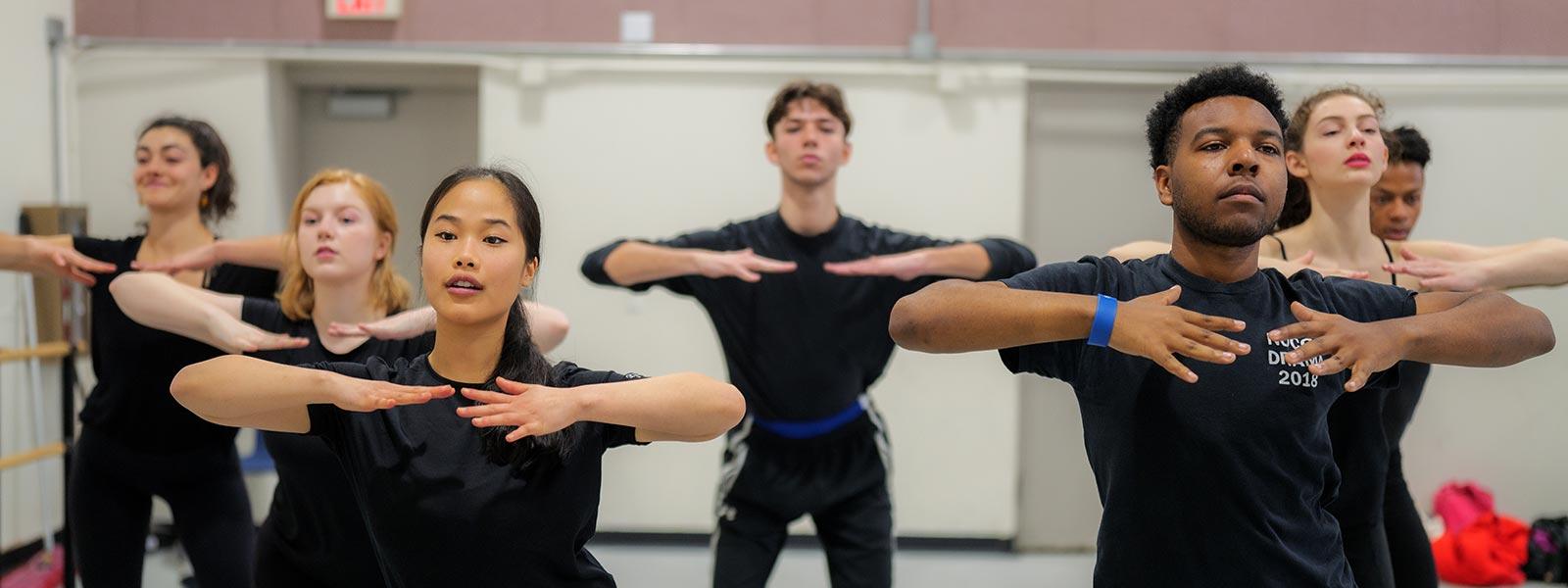 Movement class with Krisha Marcano / Photo: Raunak Kapoor