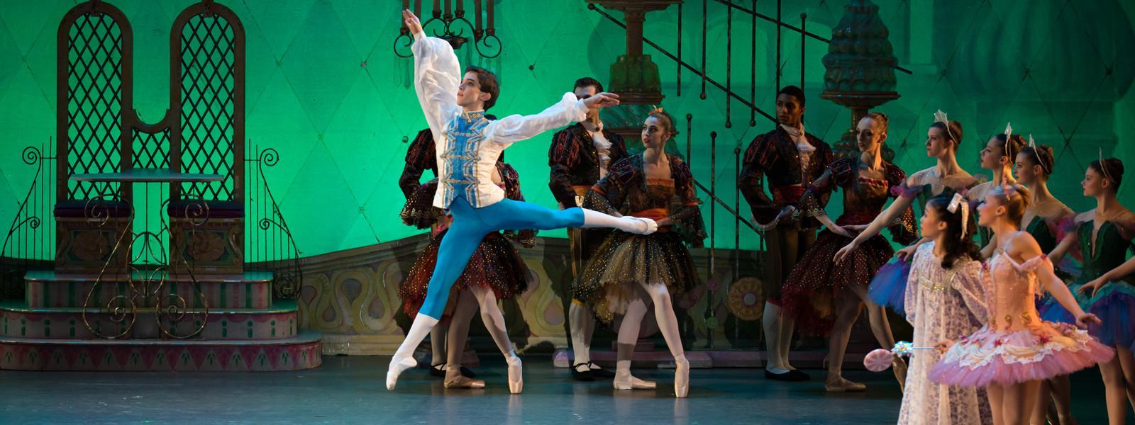 Prince dancing