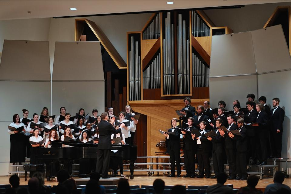 Cantata Singers perform in Crawford Hall / Photo: G. Allen Aycock