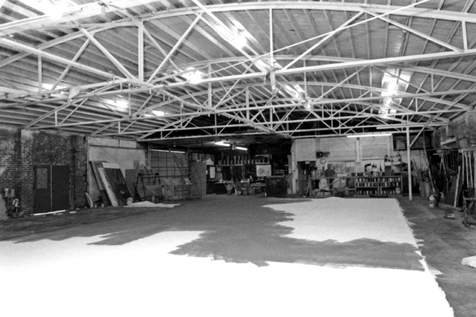 School of Design and Production paint studio in the Pearce Laundry Building (1990). Photo: UNCSA Archives