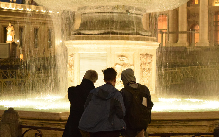 Norman Coates and student at fountain on study abroad trip