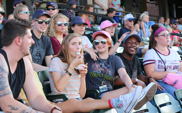 Students at a Dash game