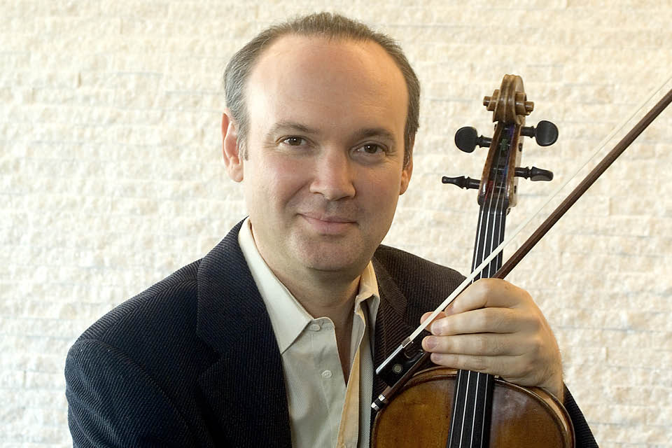 Violist Paul Neubauer of the Chamber Music Society of Lincoln Center
