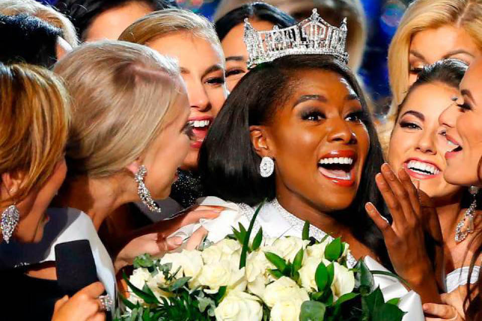 UNCSA alumna Nia Franklin was crowned Miss America on Sept. 9.