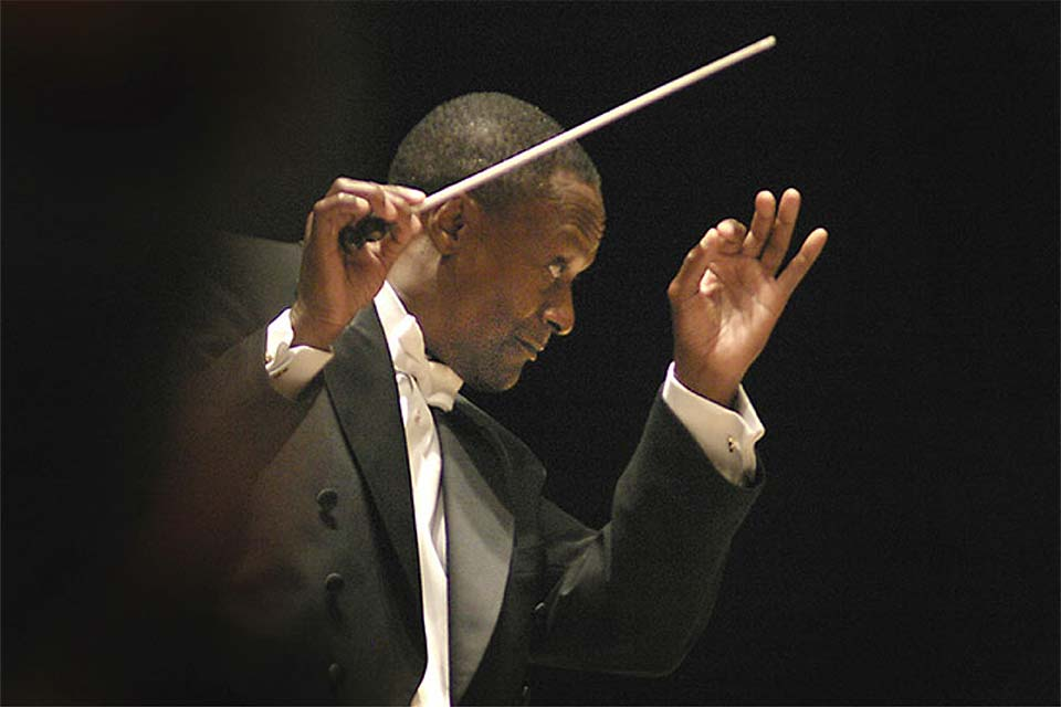 Thomas Wilkins will conduct the UNCSA Symphony Orchestra on Nov. 20