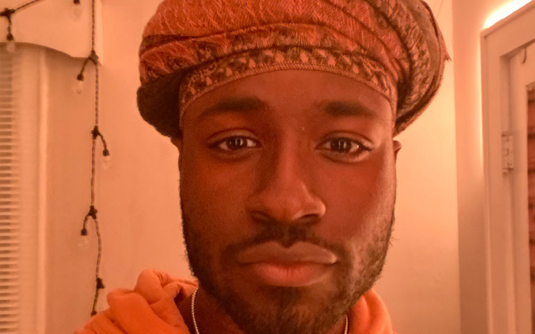 Murphy Applin wearing a head scarf
